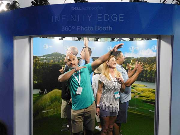 Infinity Edge 360 Photo Booth